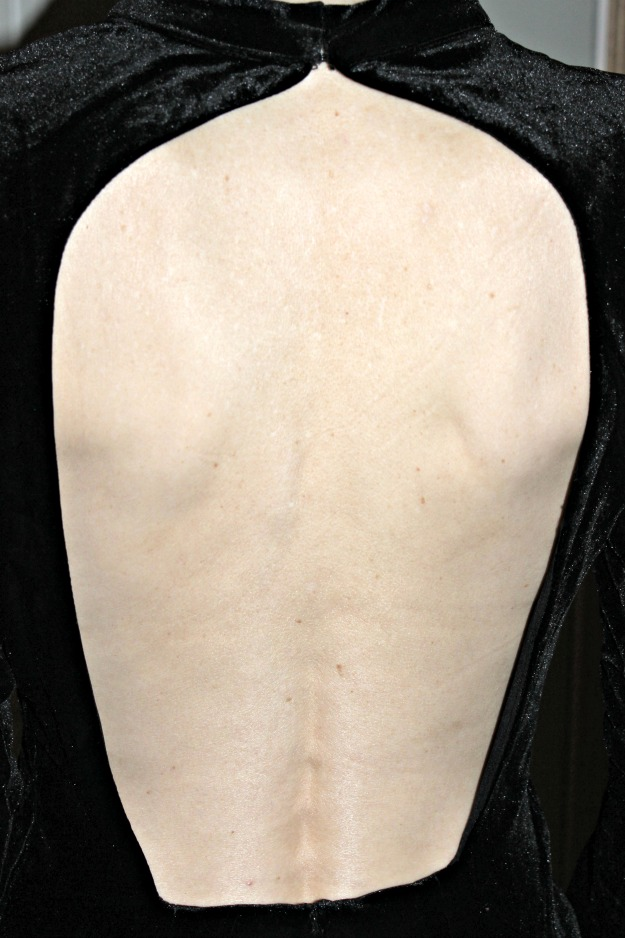details of back cleavage