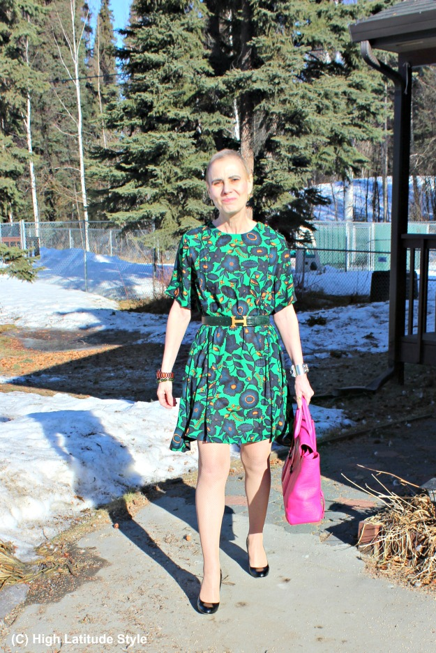 styleover40 woman in trendy dress styled for work