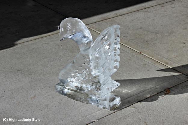 Focus Alaska Swan ice sculpture