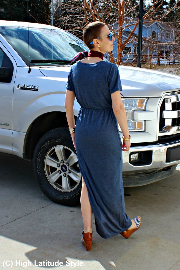 #advancedfashion style blogger Nicole in casual weekend outfit with Just Fashion Now dress