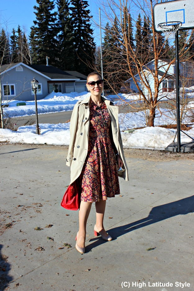 fashion over 40 woman in spring work outfit