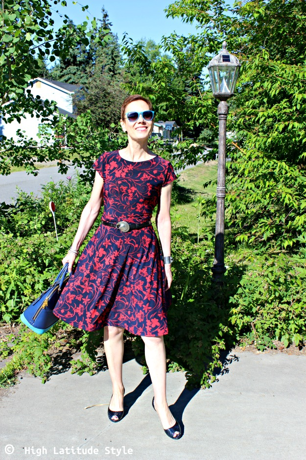 over 50 years old fashionista donning a fit-and-flare summer look
