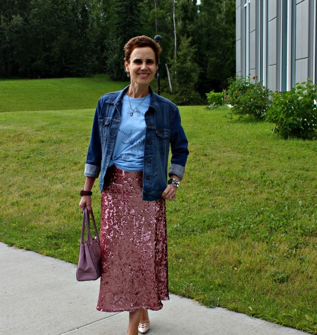 fashion over 40 woman in sequin skirt with graphic T-shirt