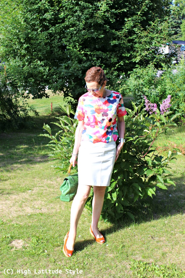 #fashionover50 slim petite woman in summer outfit