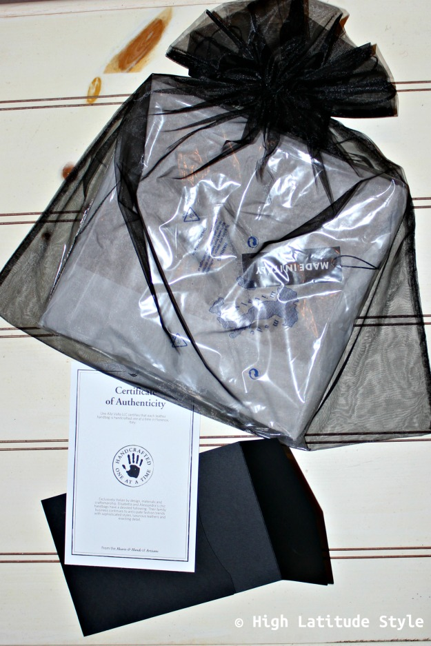 #UnoAllaVolta gift wrapping and certification of being an original