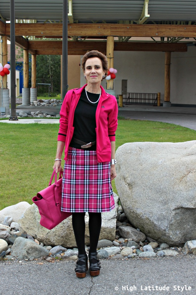 #advancedstyle woman in plaid trend