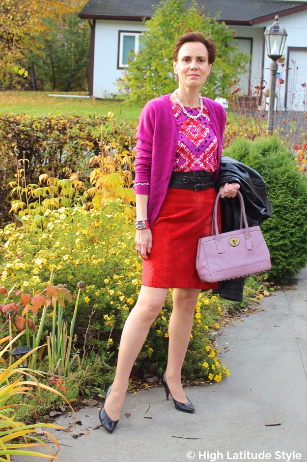 #midlifestyle woman wearing a dress as skirt to get more outfits form her closet