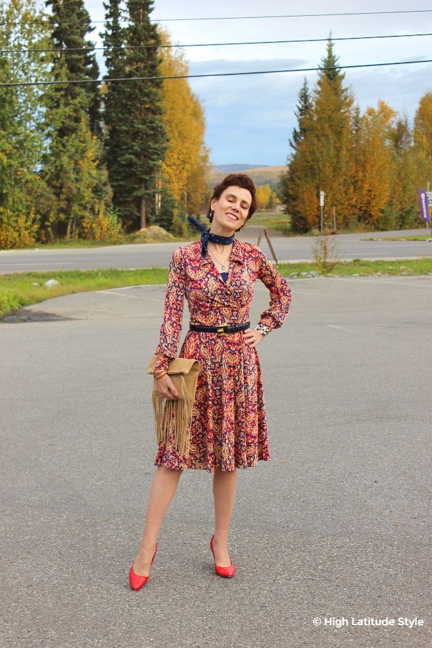 #maturestyle woman in fall office outfit with dress