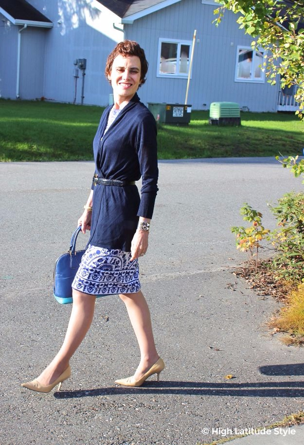 #midlifestyle woman in blue and white dress with cardigan work outfit
