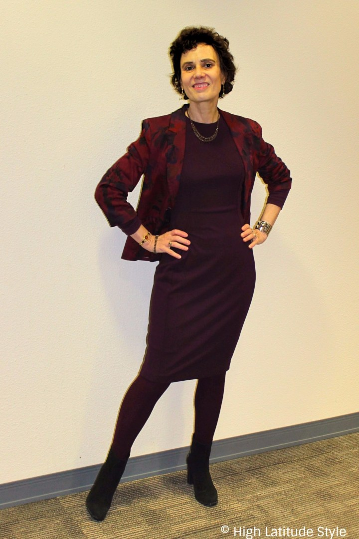 #styleover40 mature woman in monochromatic outfit