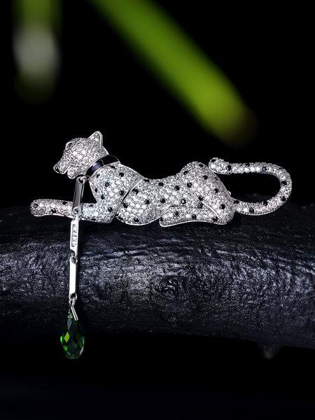 #timeless StyleWe designer leopard zirkonia brooch