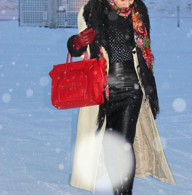 #fashionover50 midlife woman looking posh chic in winter look when it snows