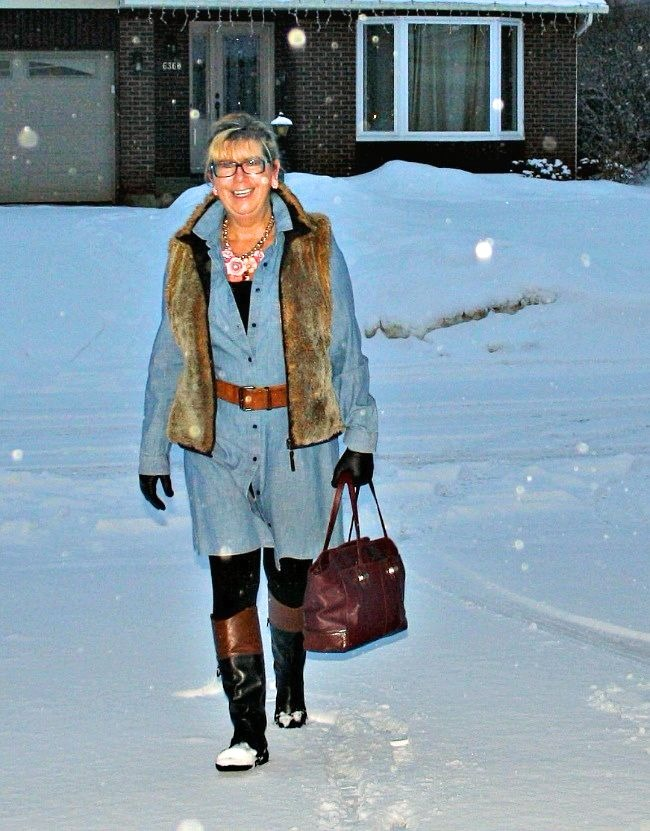 #advancedfashion Linda using layers to stay warm and comfortable, but relaxed and stylish in winter