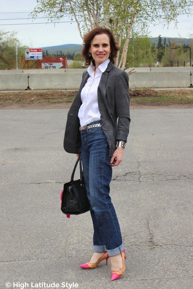 #fashionover50 woman in classic American Casual Friday look with blazer, button-down shirt, pumps and jeans