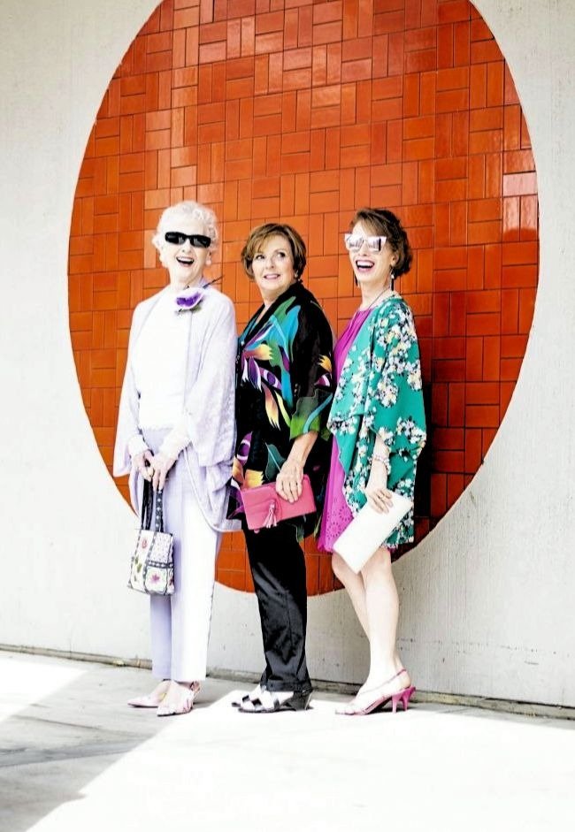 #linkup Top of the World OOTD Readers' Fav Charlotte, Lesley, and Jodie