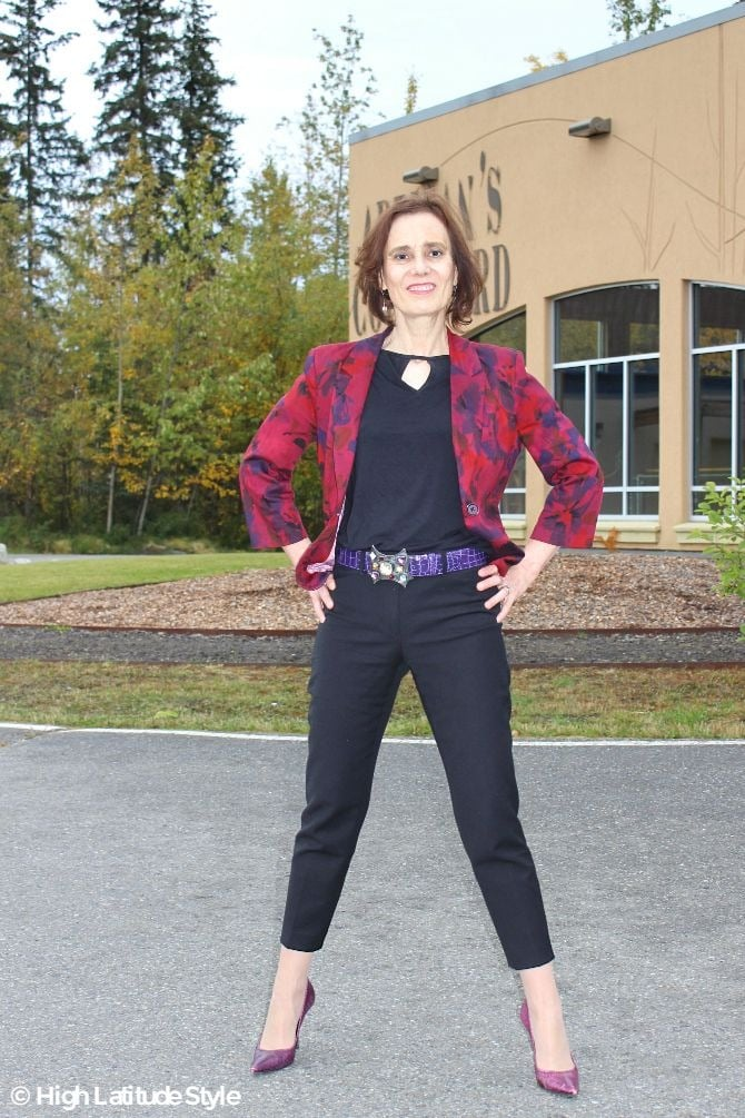 Nicole in a size S jacket, size 0 pants, size XS top