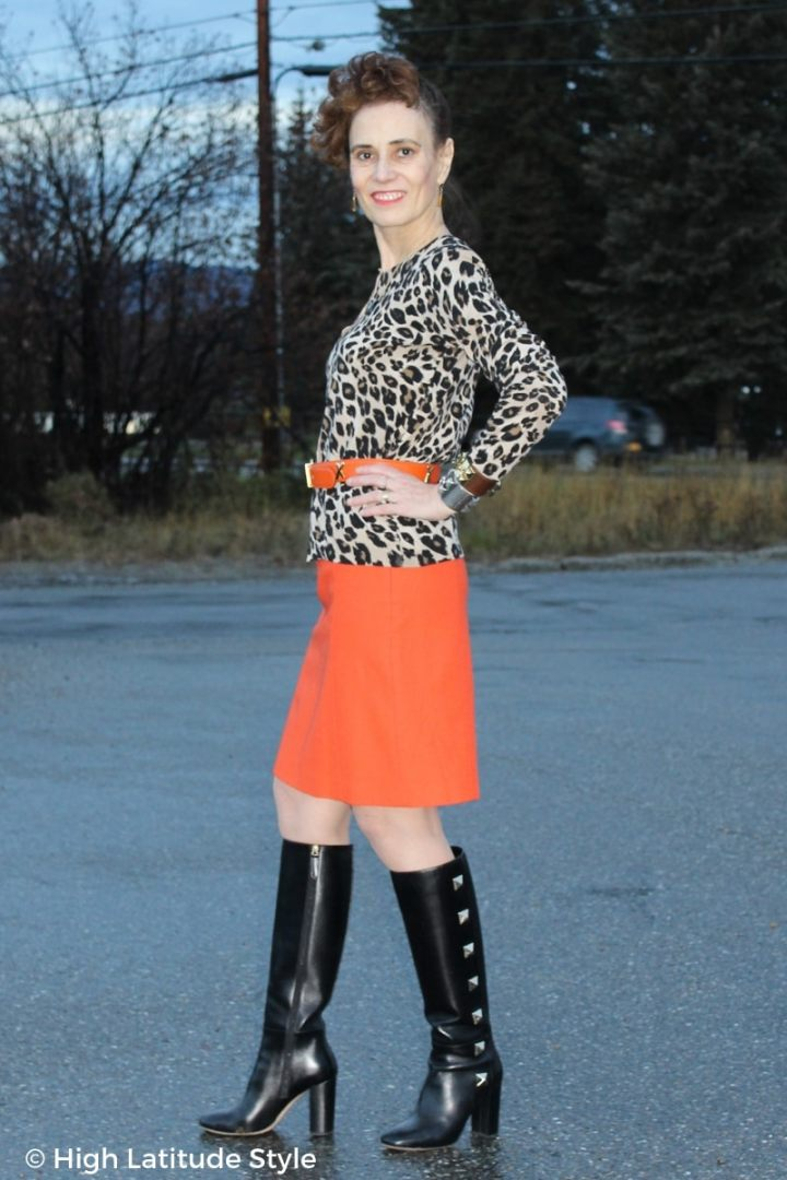 #streetstyleover50 Style blogger Nicole in edgy street look with studs, leopard print and orange pencil skirt
