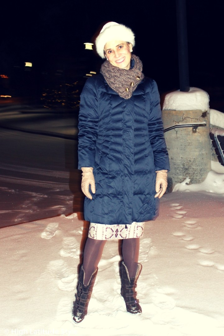 #HappyGoatLuckyClothing style blogger in gray-whiteblue outerwear