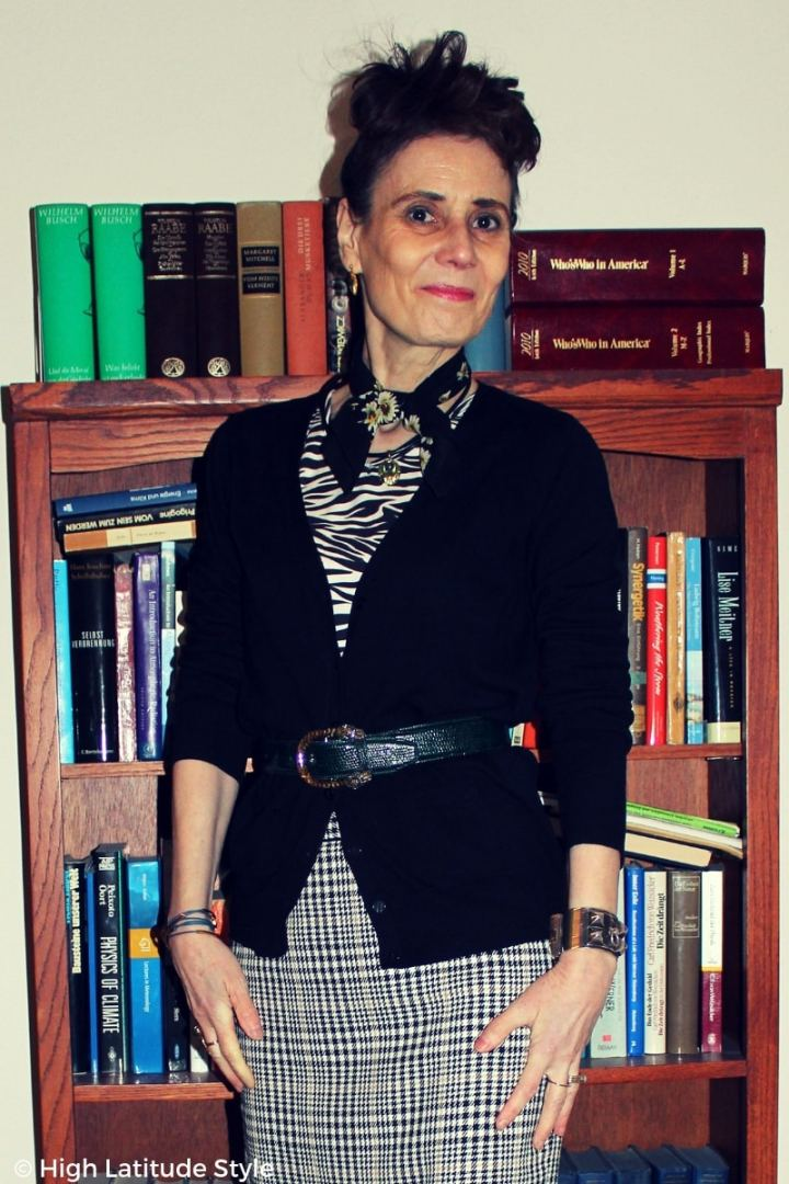 #midlifefashion fashion blogger in layered black, green, tan, white office outfit
