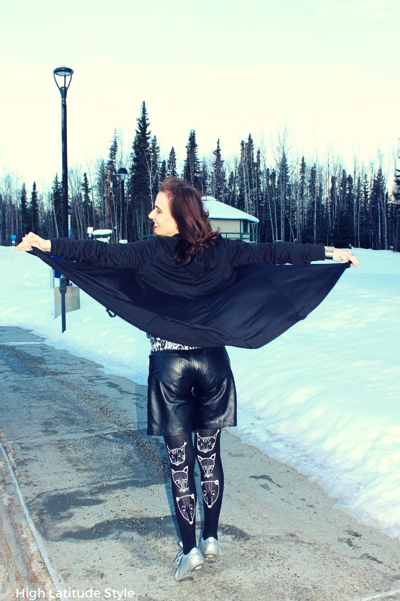#TriciaTanaka #designerhoodie Nicole playing with the cape of her hooded cardigan