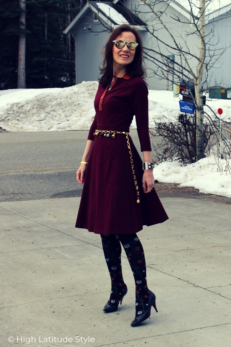 street style blogger in Pantome colored dress with charm belt and sunnies