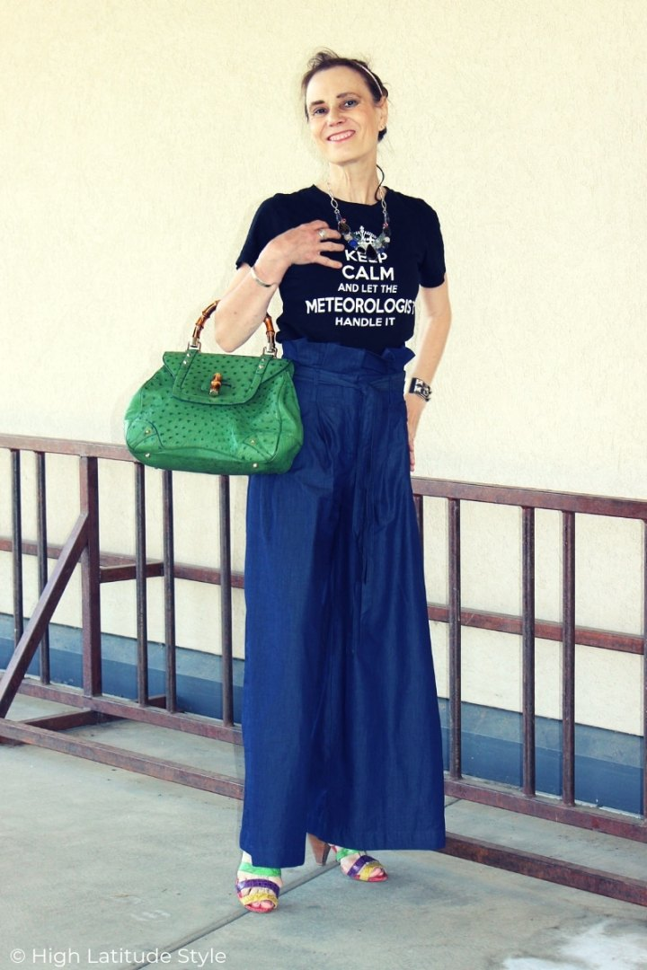 over 50 years old fashion blogger in paperbag pants with graphic Tee