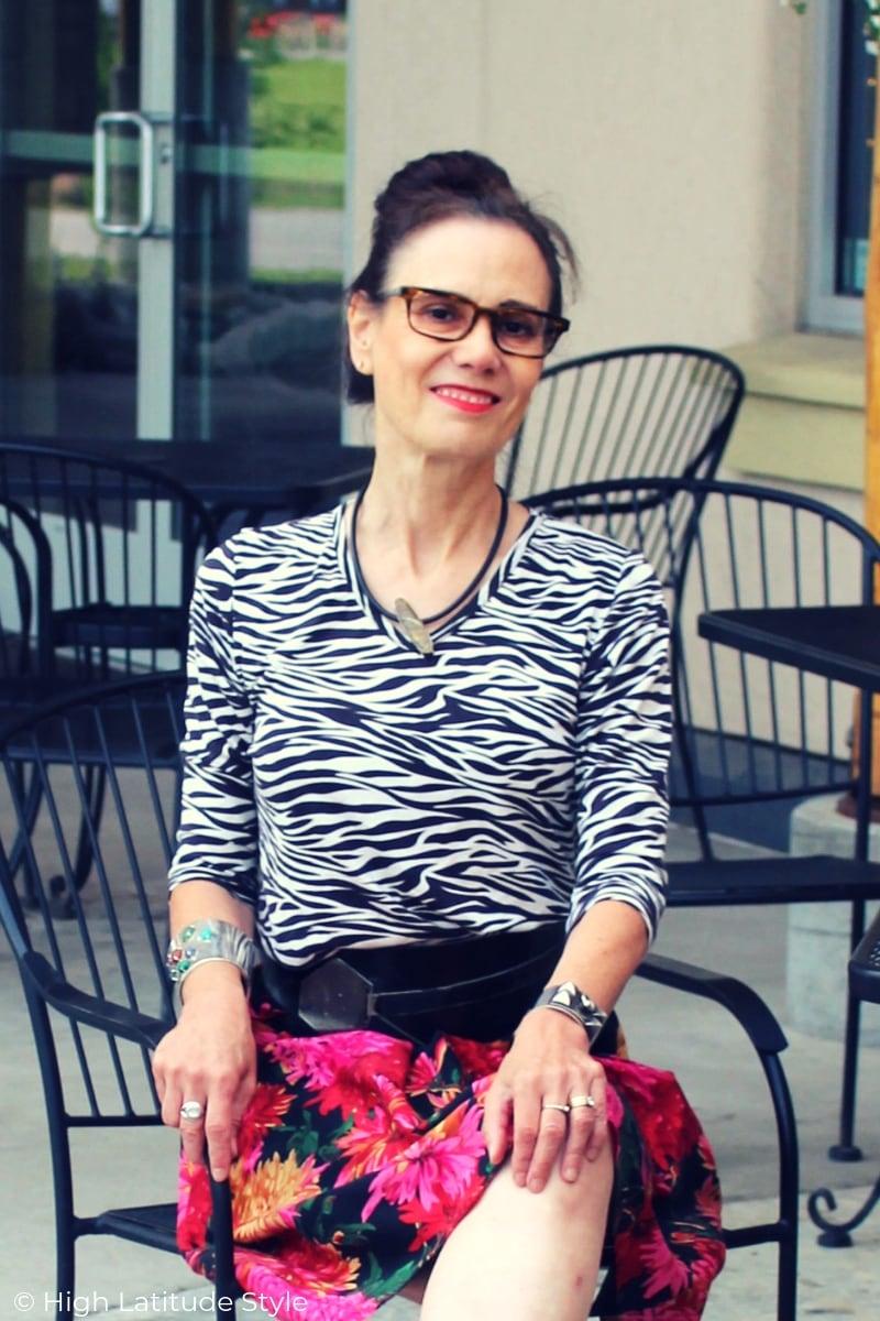 fashion blogger with customizable eyewear in grateful golden tortoise c/o Empowered Eyewear