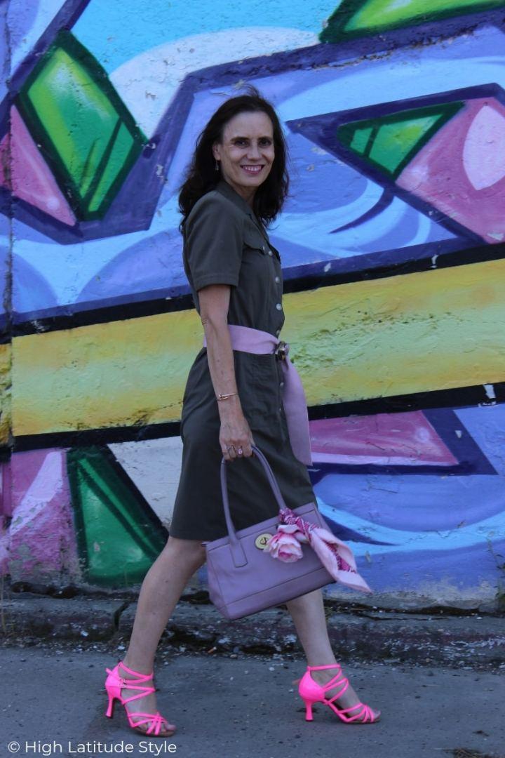 mature woman in business casual shirt dress summer office look