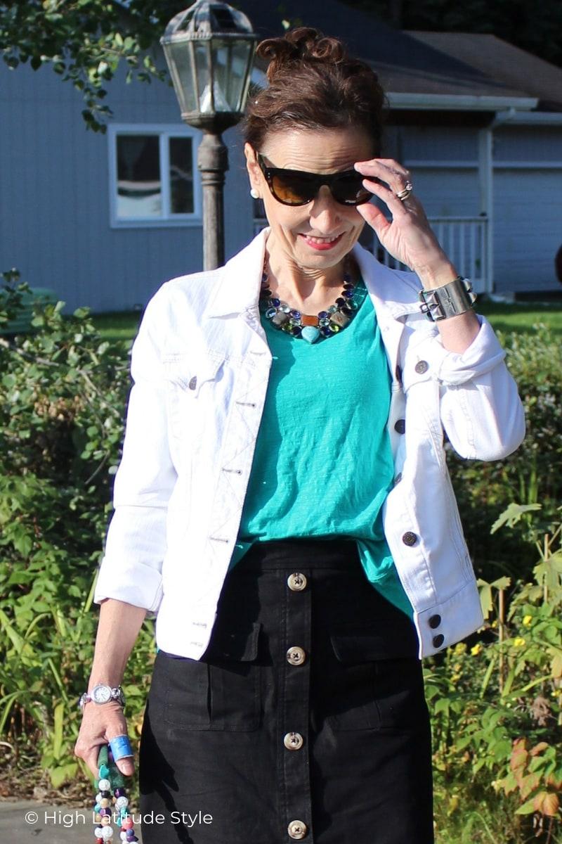 style blogger Nicole donning Eagle Eyes women sunglasses
