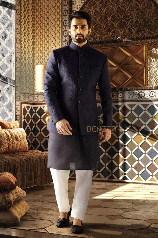 Jodhpuri suits as example for a Festival of Lights outfit