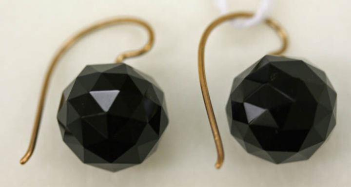 American earrings 1880s