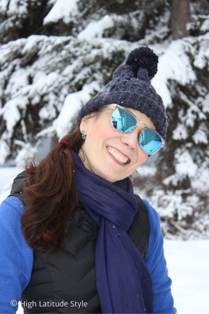 Nicole of High Latitude style wearing a minimalist outfit with MessyWeekend Makalu polarized sunglasses