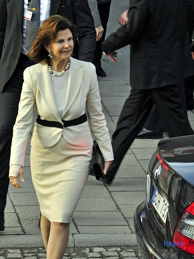 """""""Queen Silvia"""" by hapre is licensed under CC BY-NC-ND 2.0"""