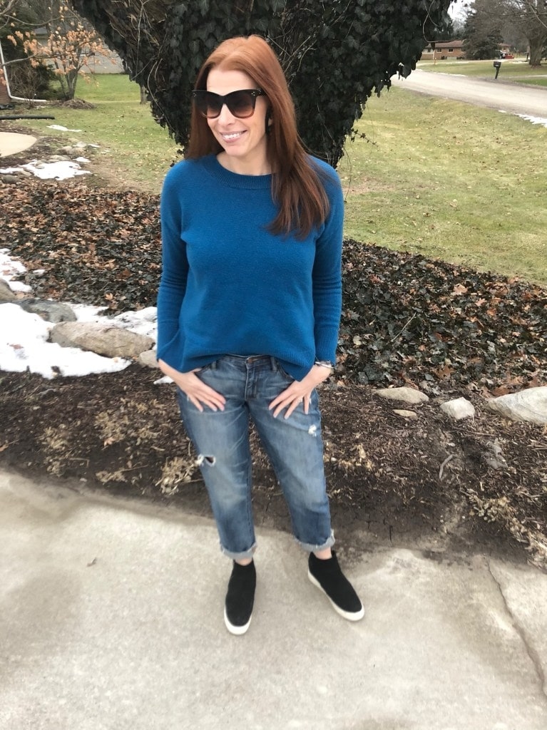 Top of the World OOTD Readers' Fav Jaymie Ashcraft in distressed jeans, blue sweater, sunnies and sneakers