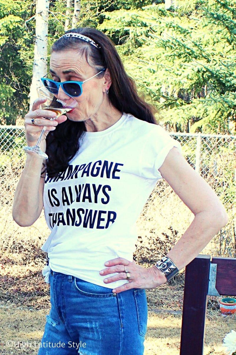 blogger in trendy slogan top