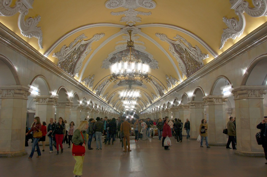 metro in Moscow with people donning bags