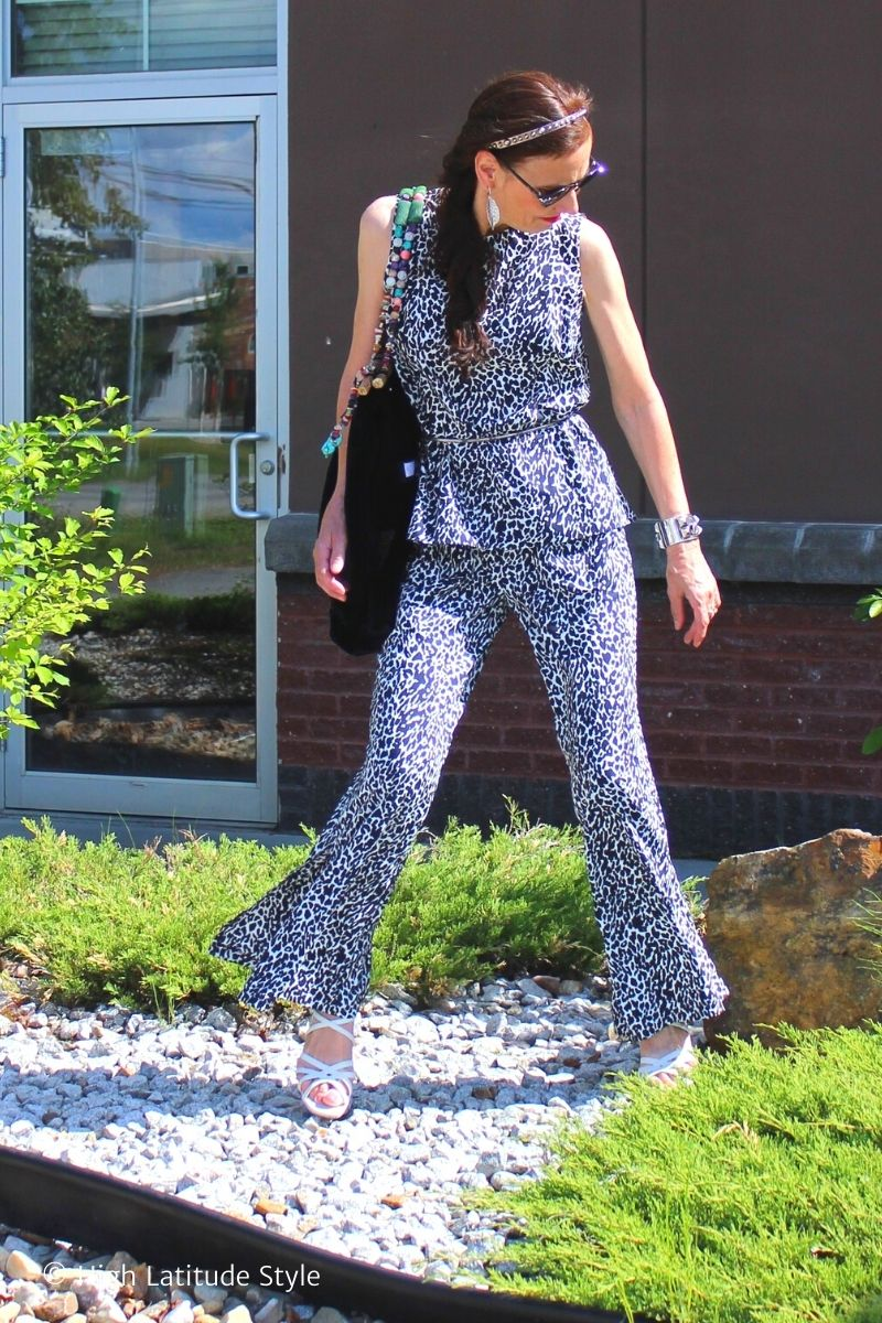over 50 years old fashion blogger in hot summer day pants and shirt weekend outfit