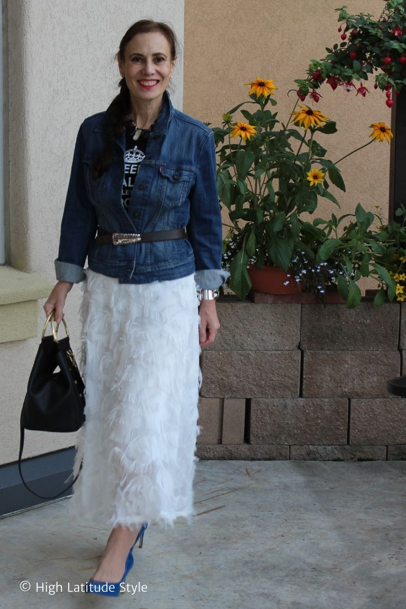 No fear of the feather skirt trend