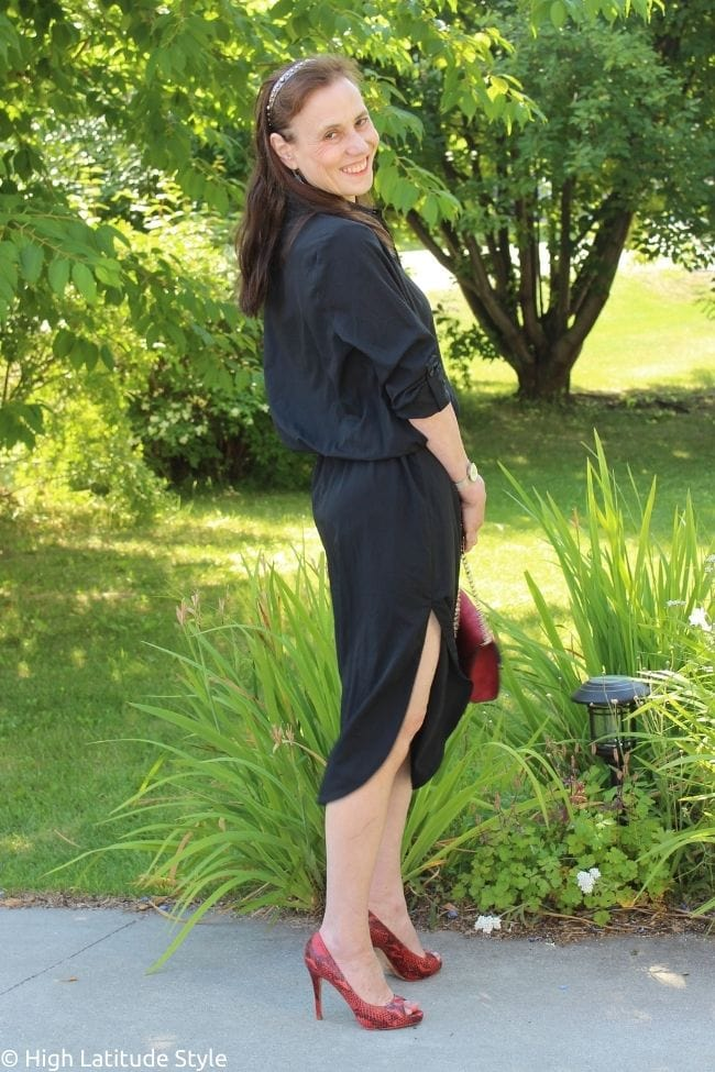 female influencer with high slit shirt dress