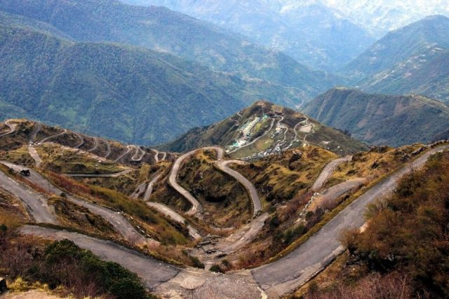 the 32 hairpin bends of Zuluk