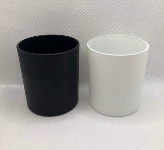 Black and White Candle Containers