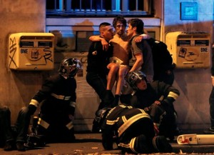 paris-terror-attacks-3-e1447456165453