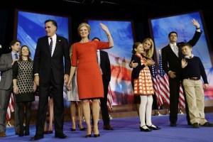 OB-VG717_Romney_G_20121107020041