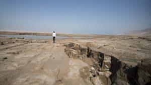 dead-sea-sinkholes-1024x576