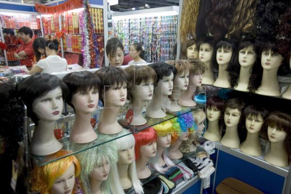 La contaminación también afectan a la caída del pelo