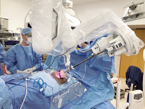 Sistema robótico permite trasplante de riñón de puerto único