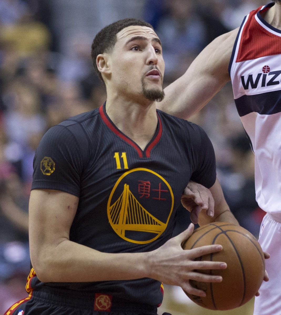 Klay Thompson in action Courtesy: http://search.creativecommons.org/ https://de.wikipedia.org/wiki/Klay_Thompson