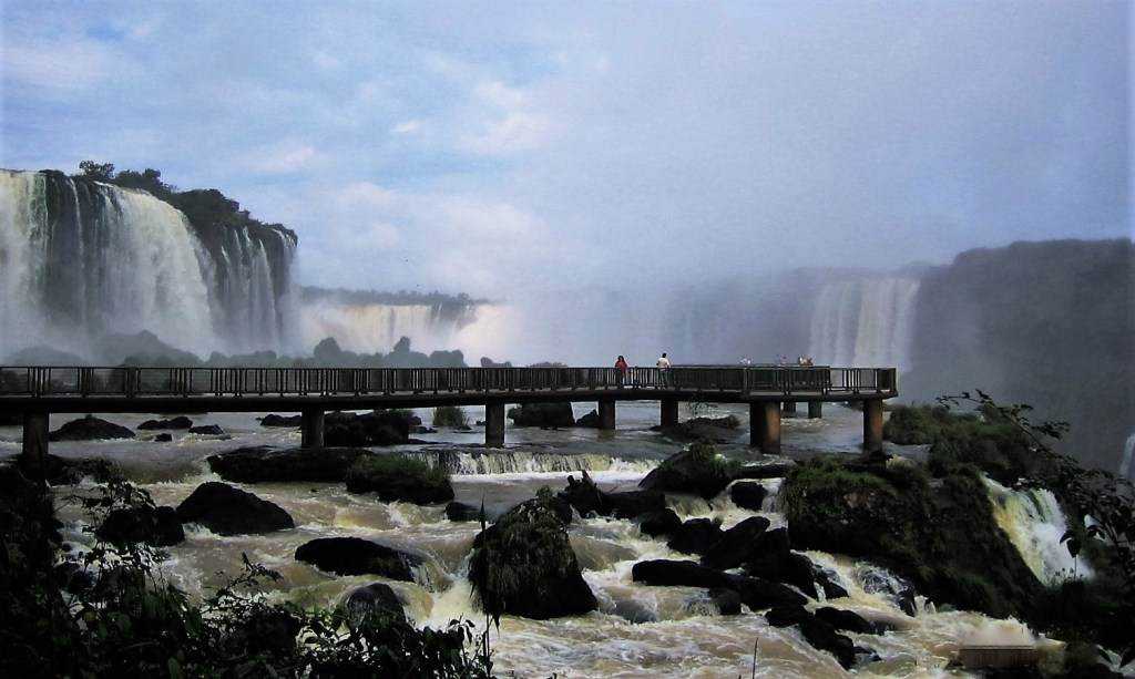 A footbridge can be crossed to view the Iguazu Falls from the Brazilian side