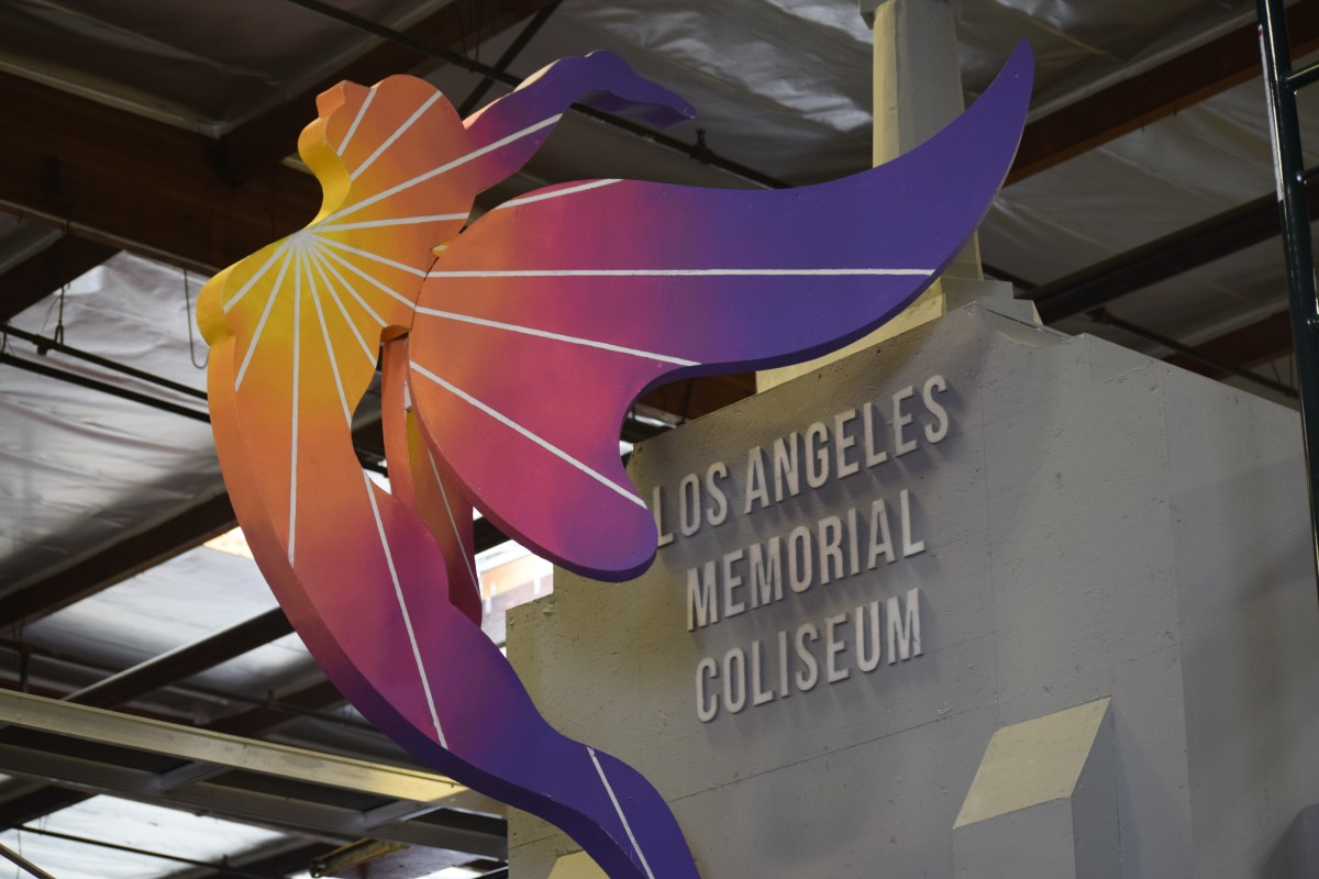 The front to the LA2024/City of Los Angeles float. Caleb Ragan/LA Times HS Insider