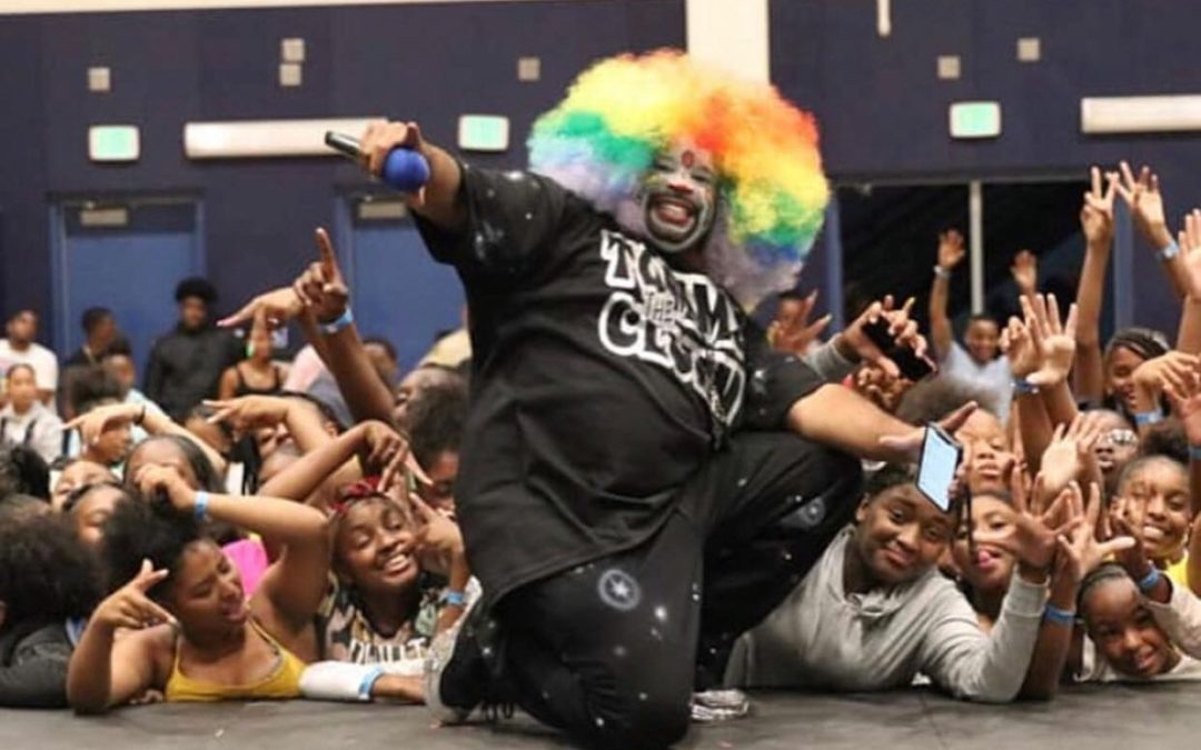Community through clowning — Tommy the Clown aims to keep kids away from violence through dance